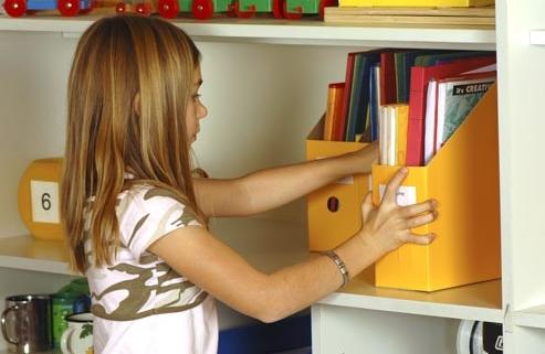 child organizing